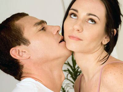 5 Ways You Can Screw Up Foreplay With Your Discreet Affair